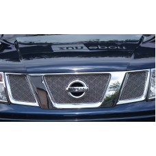 Nissan Navara - Top Grille Set
